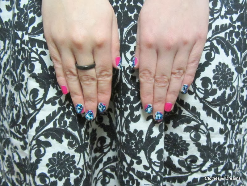 Clothes & Dreams: OOTD: Exam results: nail art