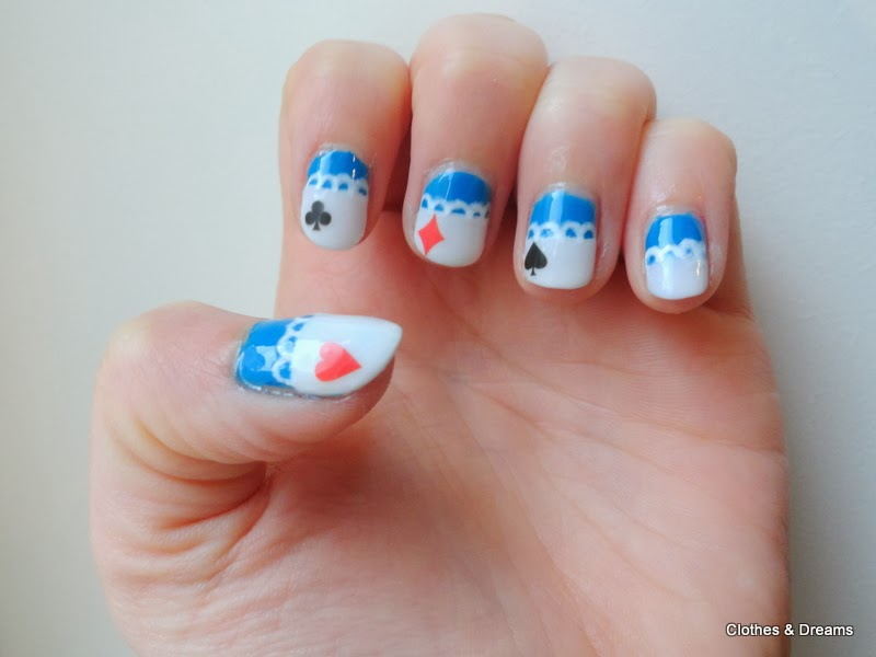 Clothes & Dreams: NOTD: Tea time with Alice: Alice in Wonderland nail art NOTD