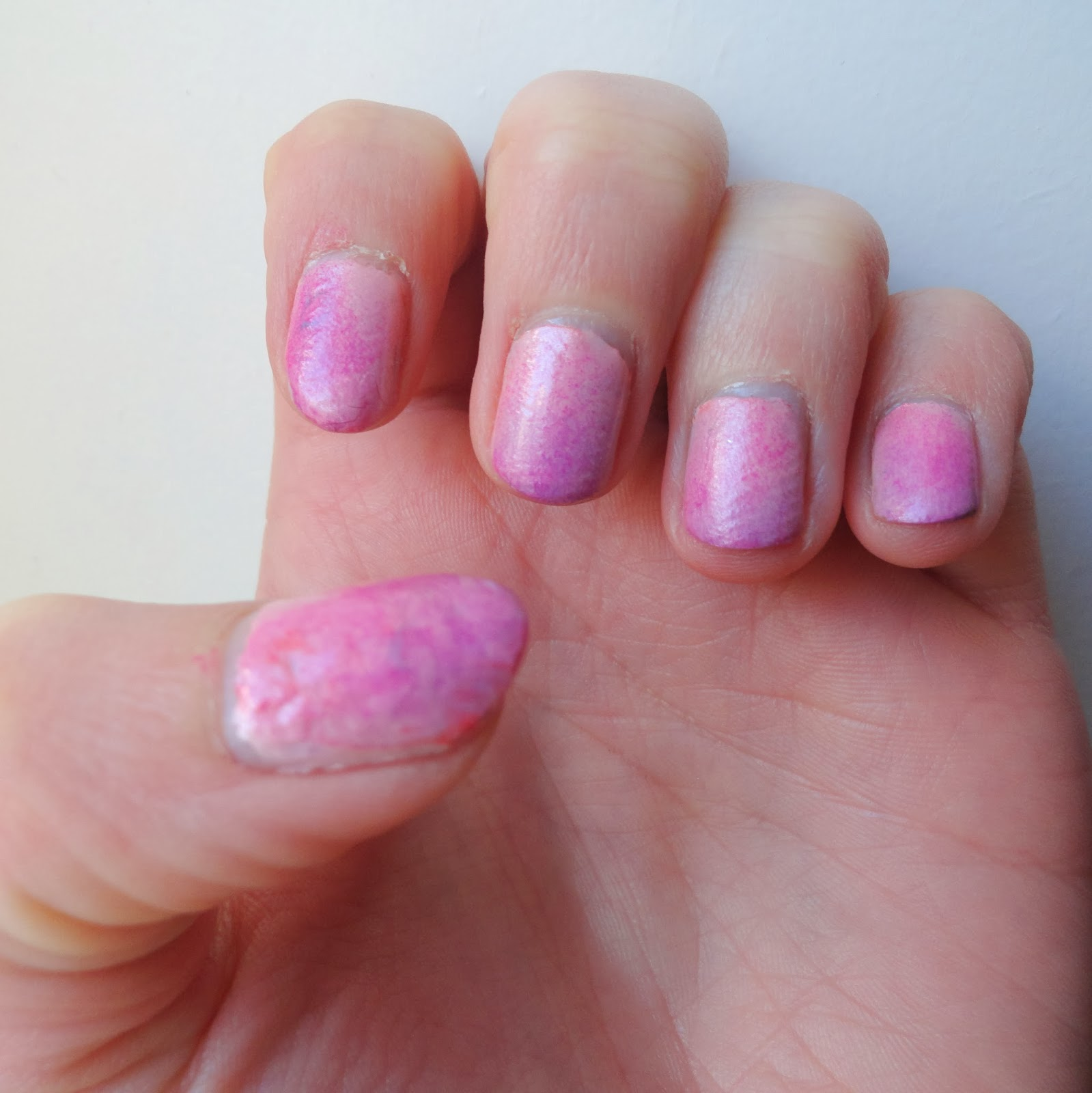 Clothes & Dreams: NOTD: cotton candy nails: cotton candy nail art