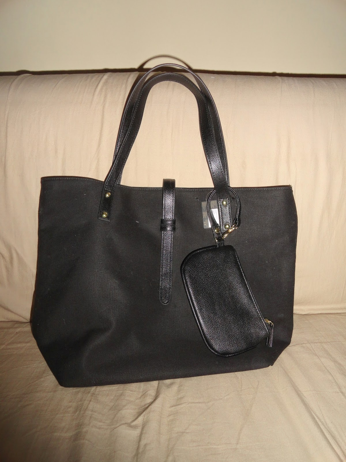 Clothes & Dreams: Shoplog: Antwerp time!: Forever21 Black bag with black purse
