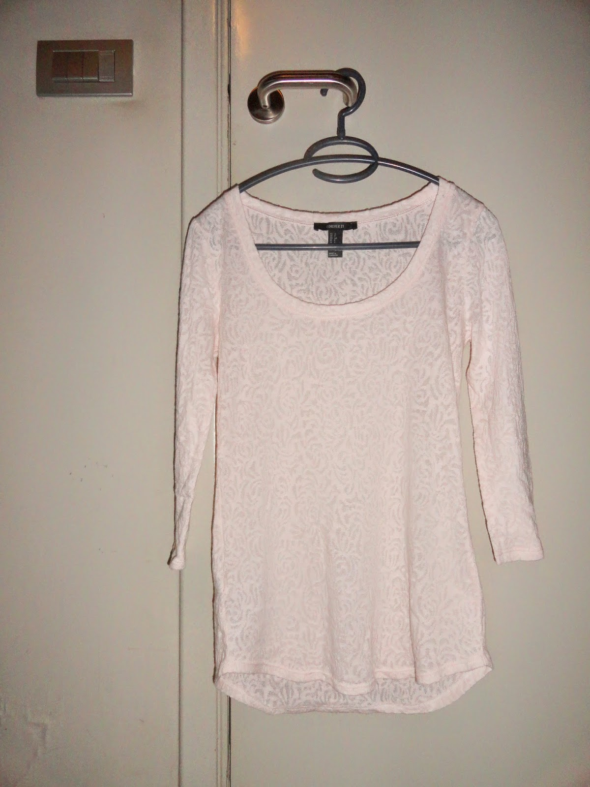 Clothes & Dreams: Shoplog: Antwerp!: Pale pink floral vest from Forever21