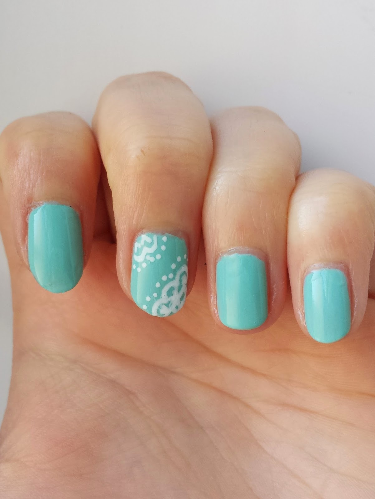 Clothes & Dreams: NOTD: Beach House and Lace: lace nail art