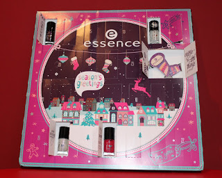 Clothes & Dreams: Essence Advent Calendar 2015: Essence adventskalender 2015, day 1 to 6